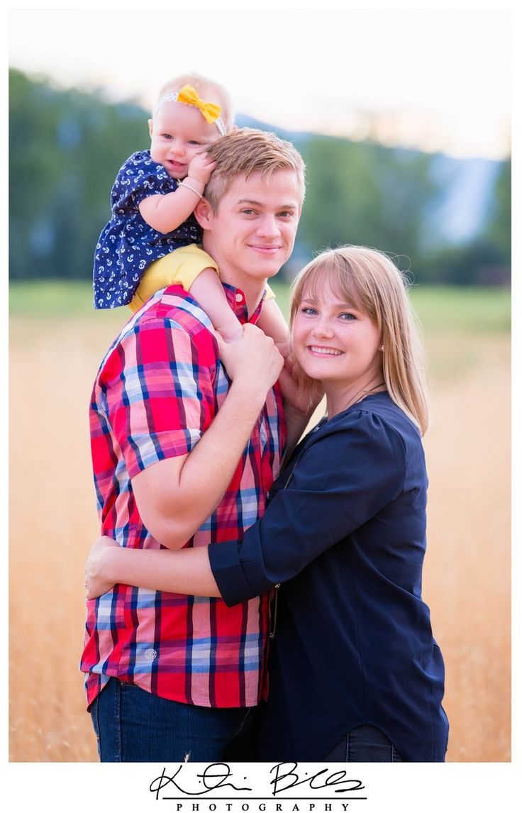 Family of three posing ideas photography inspiration for Family of 3 picture ideas