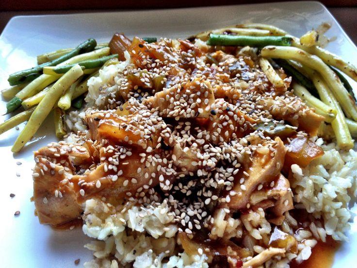 Do you love sesame chicken? I do! Crock Pot Honey Sesame Chicken