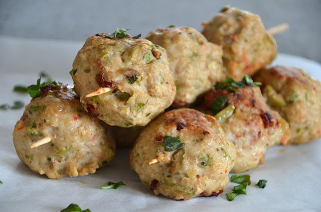Spicy baked chicken meatballs | recipes | Pinterest
