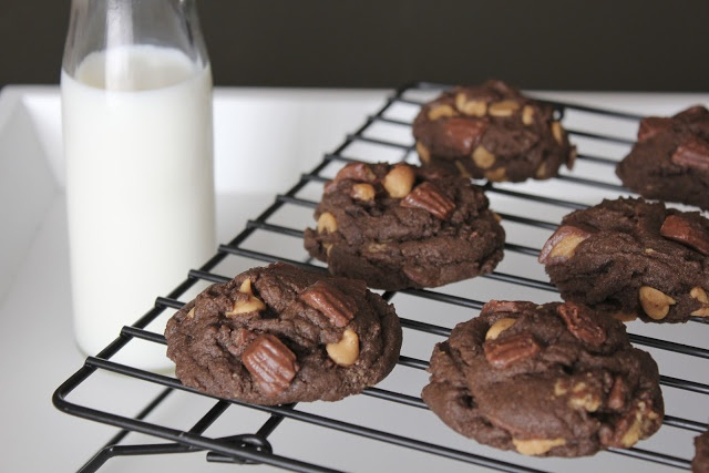 Triple Peanut Butter Cookies | Milk and Cookies | Pinterest