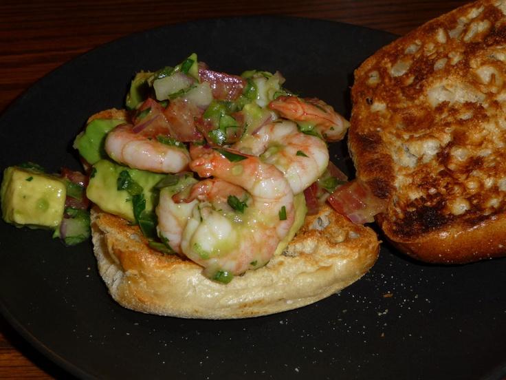 Zesty Lime, Shrimp & Avocado Salad http://www.skinnytaste.com/2011/05 ...