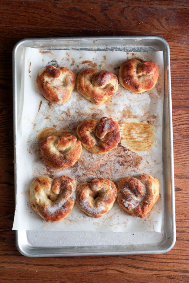 buttery cinnamon sugar soft pretzels // the alison show.