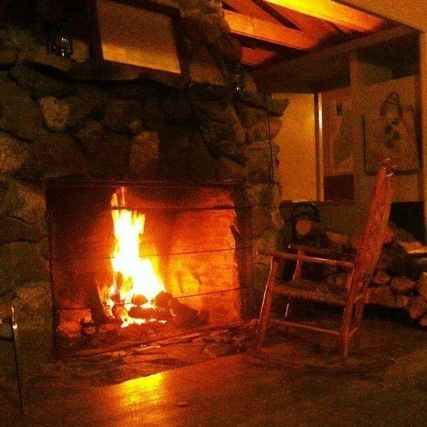 cabin fireplace fireplaces pinterest
