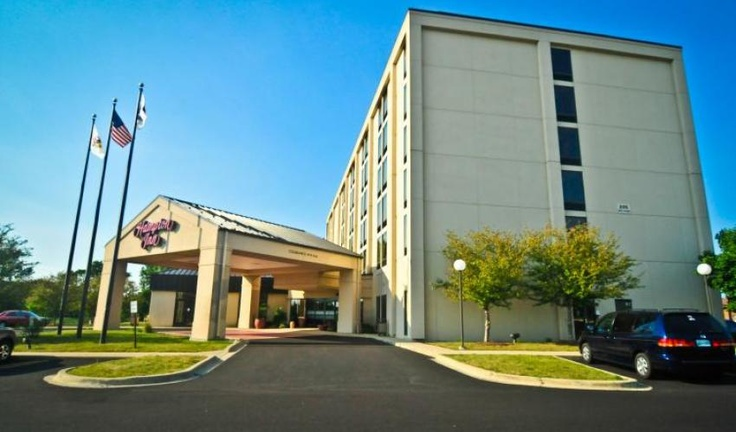 Pin by hampton inn carol stream chicago hotel on hotels in for Hotels around downtown chicago