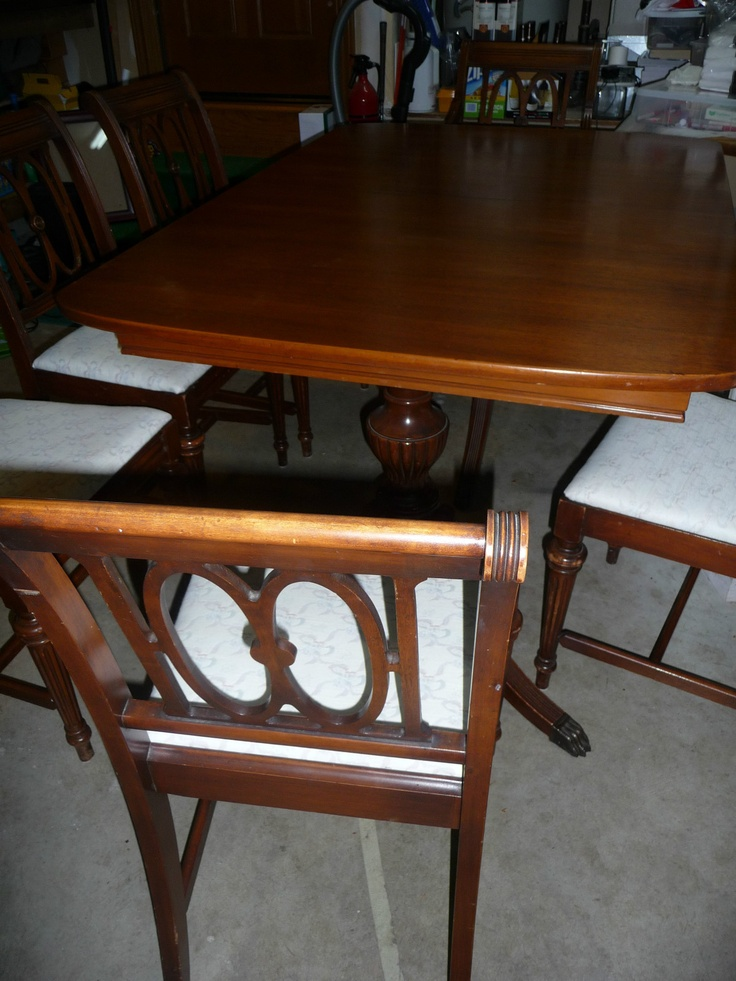 Duncan phyfe mahogany dining table 6 chairs with extra for Dining room table with extra leaves