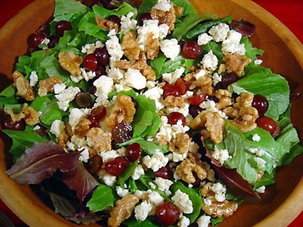 Just Like Dewey's Pizza Candied Walnut and Grape Salad (Field Greens ...