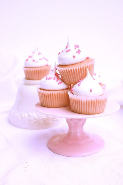 Strawberry cupcakes with Marshmallow icing - Let's be honest, I'm ...