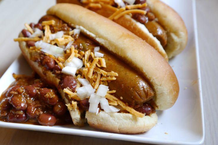 The Cincinnati Chili Dog - Vegan Recipe #meatlessmonday. Good barbecue ...