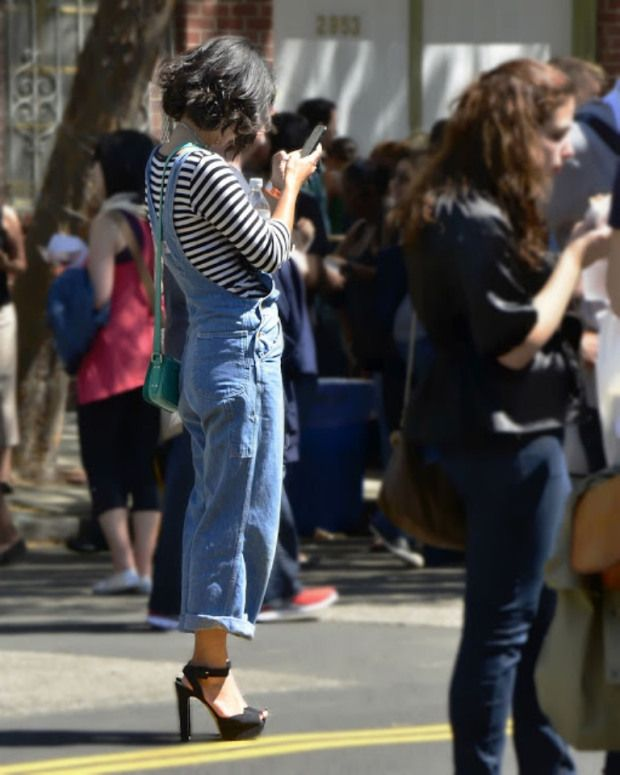 Overalls with striped shirt #overalls #streetstyle #mjtrimming  #summer #stripes