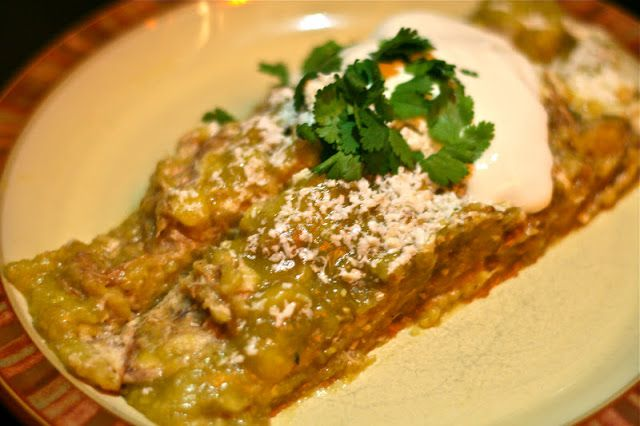 ... Days of Slow Cooking: Slow Cooker Tomatillo Cream Cheese Enchiladas