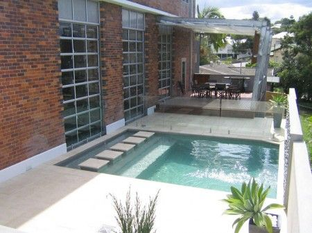 Plunge pool for small yard gardens and sunshine for Garden plunge pool