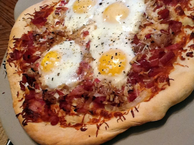 ... Pizza - lots of bacon & eggs. | My love affair with Bacon a