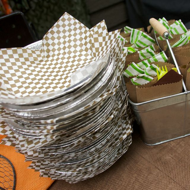 You've got to serve food in metal containers
