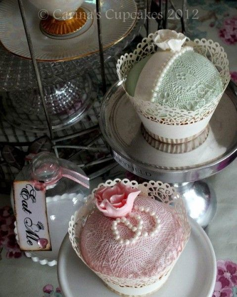 Cake Decorating With Edible Lace : How to make edible lace. Cake Decorating Tips Pinterest