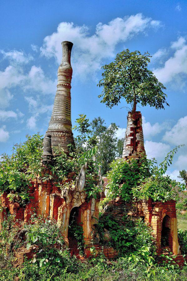 Shwe Indein Pagodas, Inle Lake, Burma-Myanmar