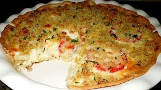 ... Mac & Cheese Pie with Plum Tomatoes and Garlic-Parmesan Crumb Topping