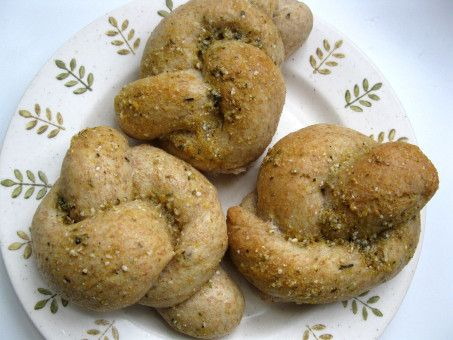 Whole Wheat Herb and Cheese Garlic Bread Knots