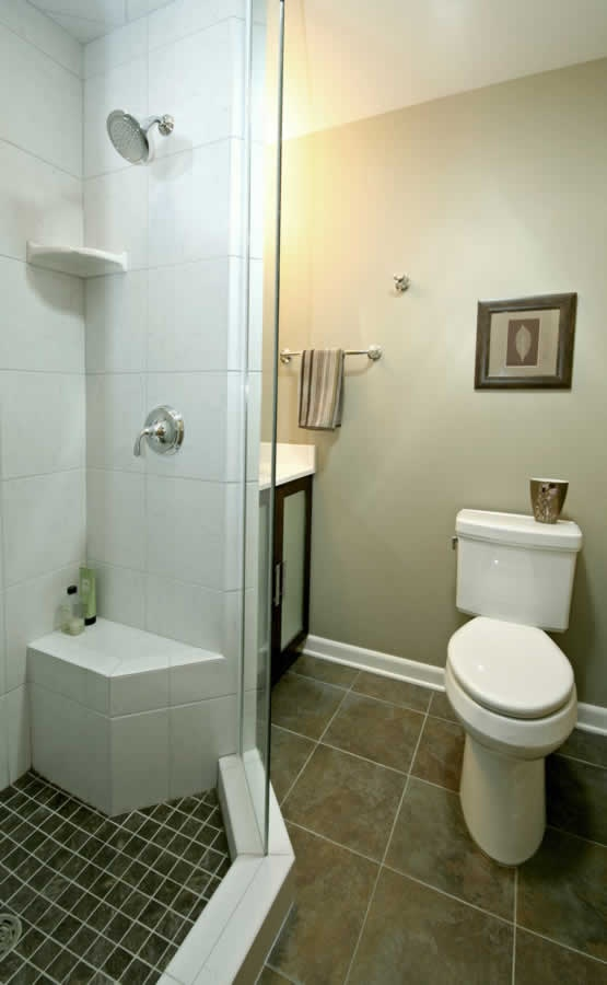 You can do a lot in a 5x8 bathroom bathrooms pinterest for Small bathroom 5 x 8 designs