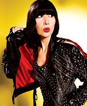 To get Karen O s look, studded leather jacket is a must