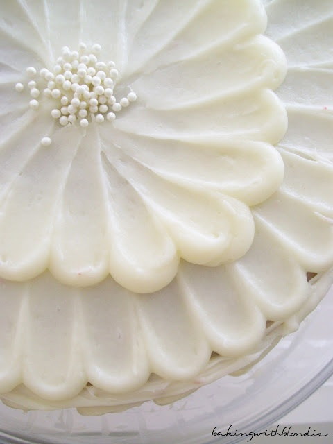 Cake Decorating Cream Cheese Frosting : Almond-infused cream cheese frosting cake decorating ...