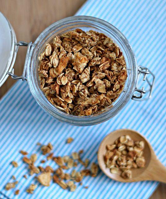 Apple-Cinnamon Granola, perfect match for an Apple Cinnamon CHO!