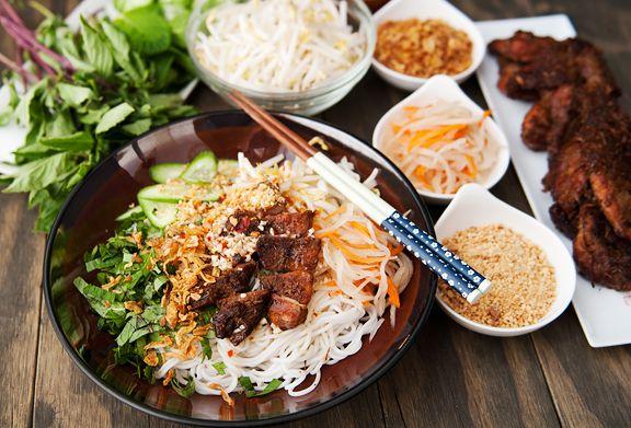Vietnamese Grilled Lemongrass Pork (Thit Heo Nuong Xa) Recipe ...