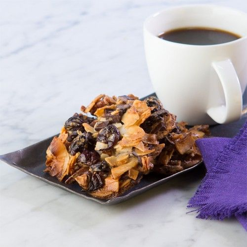 Chocolate-Cherry Coconut Macaroons | #glutenfree