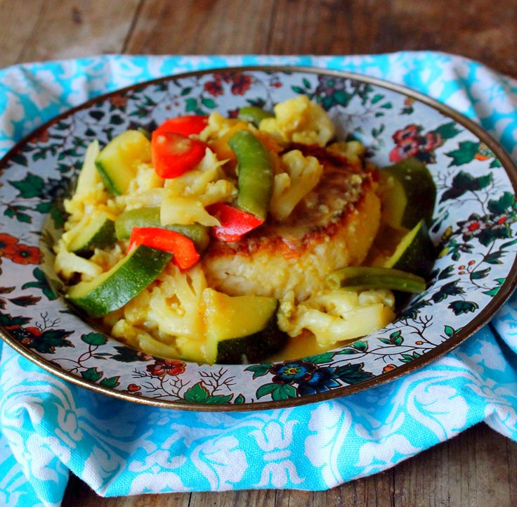 Thai Vegetable Green Curry with Jasmine Rice Cakes | Recipe