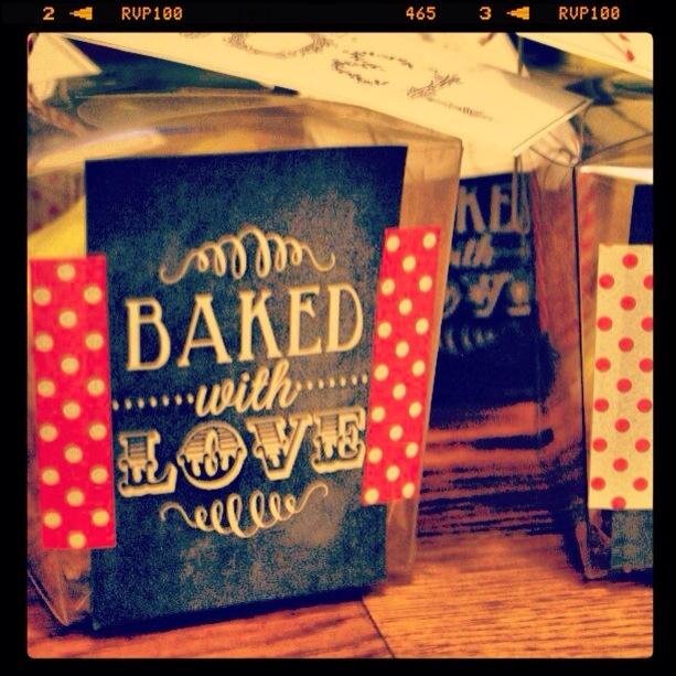 Teacher/neighbor gift ideas: A Very Merry Pinterest Tuesday | Junk in the Trunk