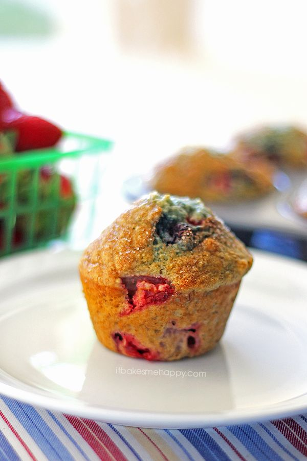 berry medley very berry muffins recipe very berry very berry blueberry ...