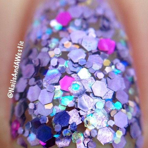 macro of the no-name purple glitter from #dots clothing store that I