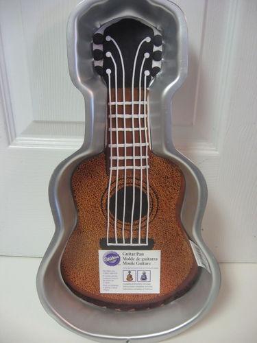 wilton guitar cake
