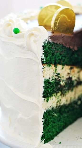 Green Velvet Cheesecake Cake | Recipe