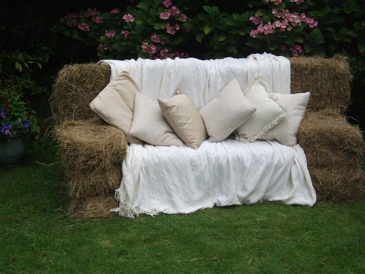 Straw bale couch 28 images hay bale couch 187 live for Furniture r us markham il