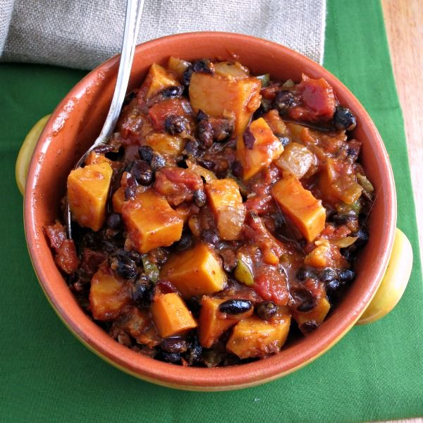 Sweet Potato Black Bean Chili. Spicy, filling, delicious. Even froze ...