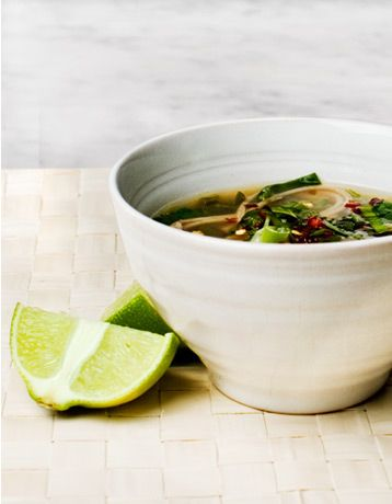 spinach and sOba noodle soup | c i c c h e t t i | Pinterest