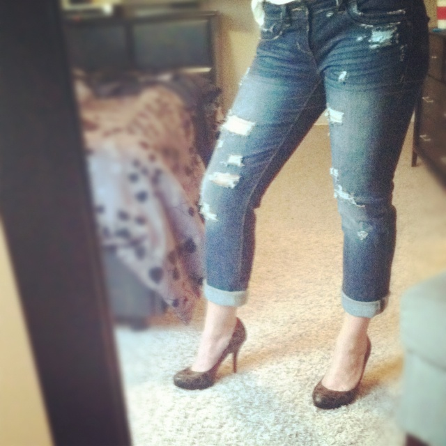 My #DIY distressed boyfriend jeans.