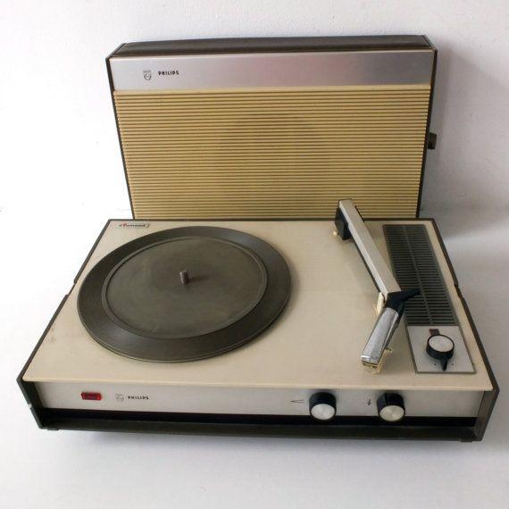 Philips Portable Record Player Diamond 22gf332