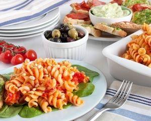 Roasted pepper pasta with garlic bread tapas | Recipe