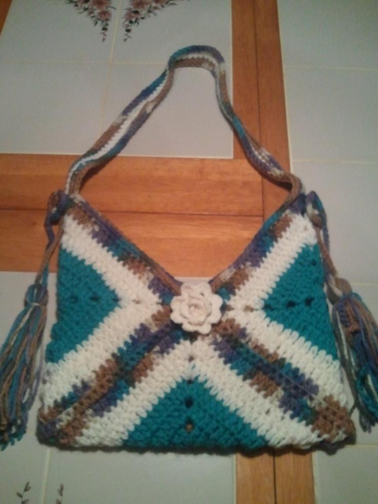 Granny Square Tote : granny square purse crochet and loom addict Pinterest