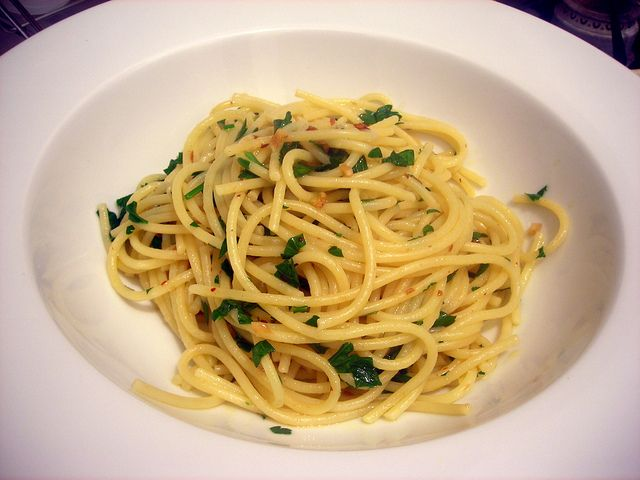 "Spaghetti con aglio e olio (""Spaghetti with garlic and oil"") by ..."