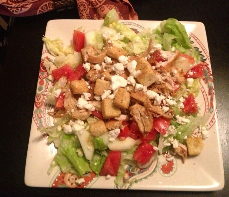 grilled chicken salad with tomatoes, cucumbers, sweet uncooked corn ...
