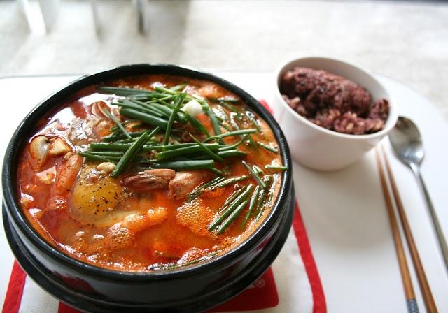 MD cooks for two: Haemul Soondubu Jjigae - Seafood Soft Tofu Stew