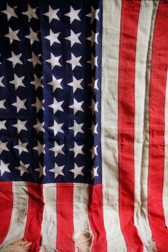 american flag during revolutionary war
