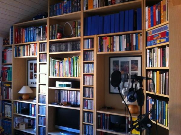 Pin by ummu james on billy bookshelves pinterest hemnes for Sessel quietscht