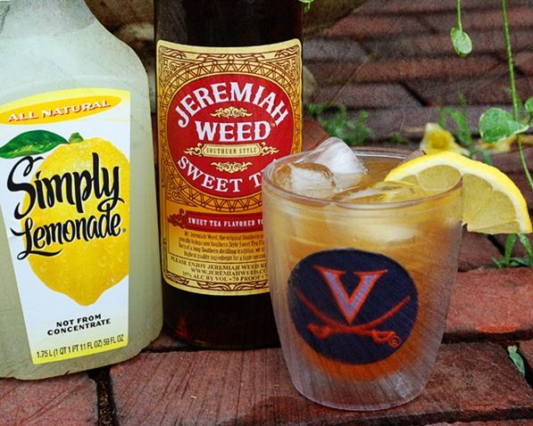 sweet tea vodka and lemonade | This is the simple recipe: