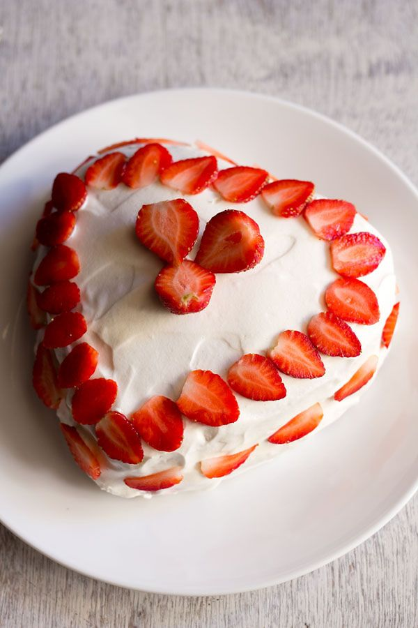 eggless strawberry cream cake, eggless strawberry cream cake recipe