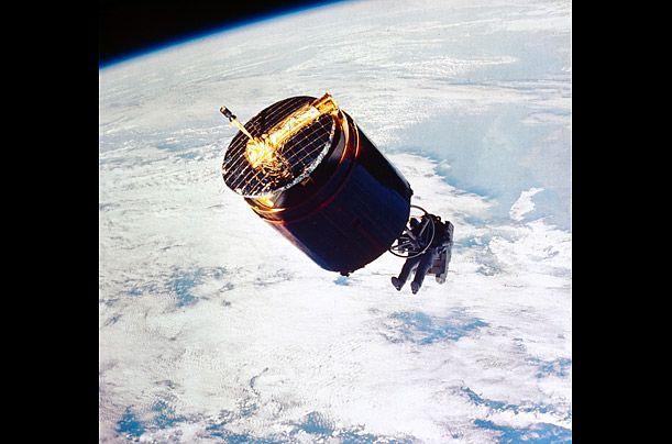 westar 1 satellite essay