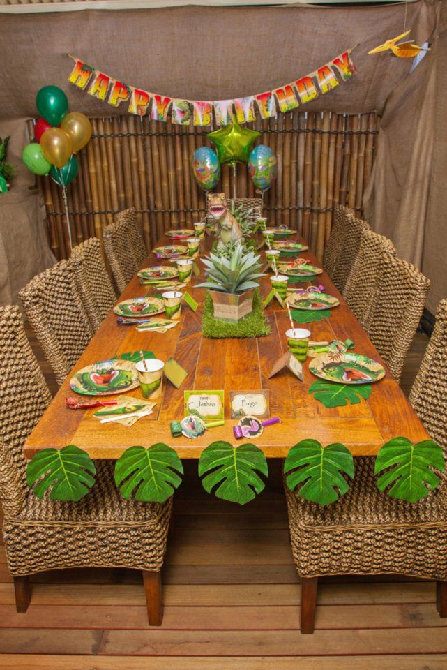 Dinosaur Birthday Party Table Birthday Party Ideas Pinterest
