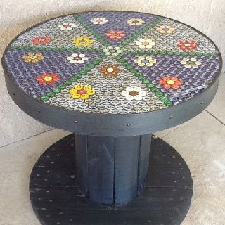 how to make a table out of bottle caps